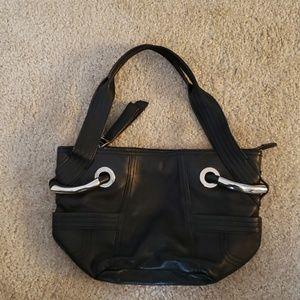 B makowsky black leather purse